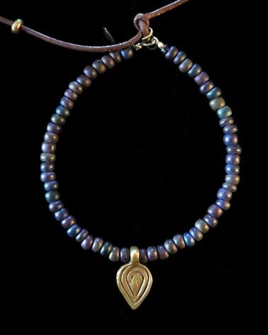 Catherine Michiels - Bronze leaf bracelet