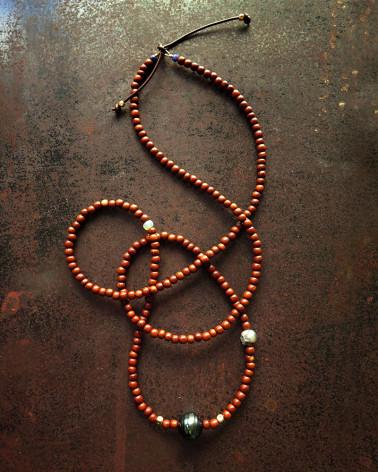 Catherine Michiels - Sautoir en ébène avec 2 perles
