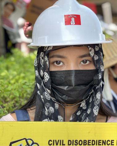 Myanmar - Myanmar - She is a Hero 03