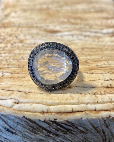 Rosa Maria - White quartz and black diamonds