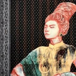 Peinture acrylique sur textile: htameins and longyis (vêtements féminins birmans). Dim : 122 x 91 cm  Chuu wai Nyein est une jeune femme libre et engagée qui consacre son travail à la situation de ses pairs en Birmanie, avec un point de vue féministe revendiqué. Ces dernières années de travail sur ce sujet lui ont permis d'être reconnue comme une figure incontournable de la jeune scène artistique birmane. @chuuwainyein #art #peinture #peinturecontemporaine #myanmar #westandformyanmarartists #birmanie  Les fonds récoltés par la vente de ces peintures sont destinés aux artistes birmans. Nous savons qu'ils les distribueront à ceux qui en ont désespérément besoin.