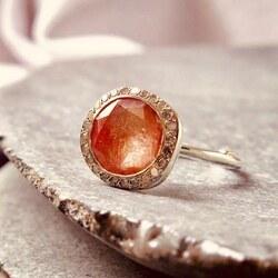 #rosamariajewellery #dustypink #rings #retourdevoyage #rosamaria #wwwretourdevoyagecom #timelessdesign #luxurylifestyle #avantgardefashion